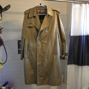 Double Breasted Tan Trenchcoat VINTAGE